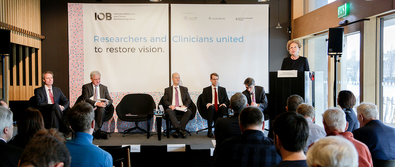 At a joint media conference, representatives of the institutions involved informed about the foundation of the Institute of Molecular and Clinical Ophthalmology Basel (IOB): Prof. Dr. Hendrik P.N. Scholl, Co-Director of the IOB; Dr. Jörg Reinhardt, Chairman of the Board of Directors of Novartis; Prof. Dr. Botond Roska, Co-Director of the IOB; Dr. Werner Kübler, Director of the University Hospital Basel; Dr. Lukas Engelberger, Member of the Government of Basel-Stadt; Prof. Dr. Dr. h.c. Andrea Schenker-Wicki, President of the University of Basel. (from left; image: University of Basel, Florian Moritz)
