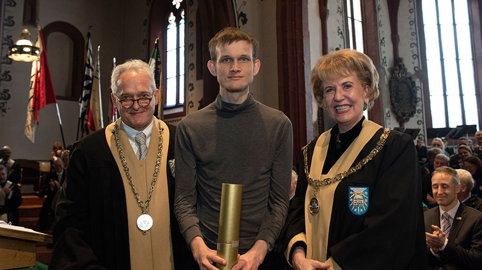Vitalik Buterin earned an honorary doctorate from the Faculty of Business and Economics. (Photo: University of Basel, Christian Flierl)