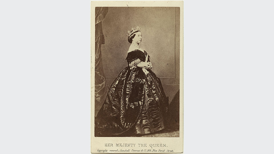 Portrait photographs of Queen Victoria were widely distributed. Postcard from 1861. (Image: National Portrait Gallery, London)