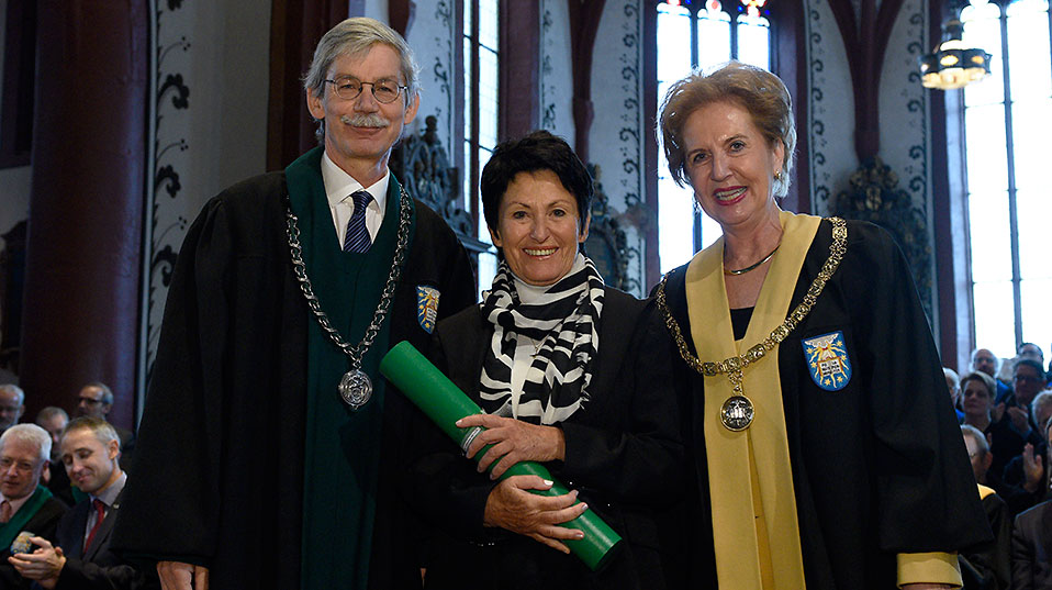 The conservationist Katharina Heyer receives an honorary doctorate from the Faculty of Humanities and Social Sciences. (Image: University of Basel, Christian Flierl)