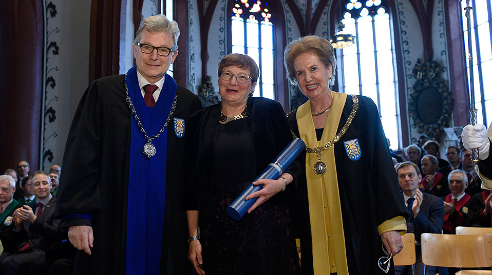 Honorary doctorate for Irma Wehrli-Rudin: The Faculty of Humanities and Social Sciences honors the translator. (Image: University of Basel, Christian Flierl)