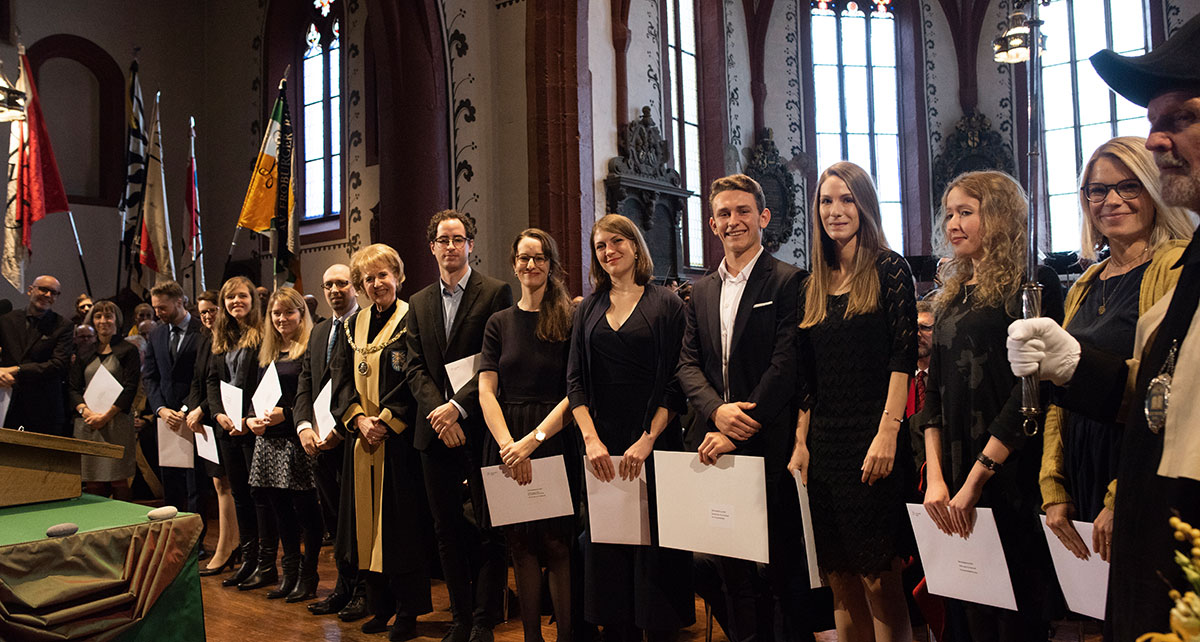In addition to honorary doctoral degrees, many other honors and distinctions are given out at Dies Academicus. These include the Amerbach Prize for an outstanding dissertation, faculty prizes, the Emilie-Louise-Frey Prize for the furtherance of young scholars as well as the athletics prize.