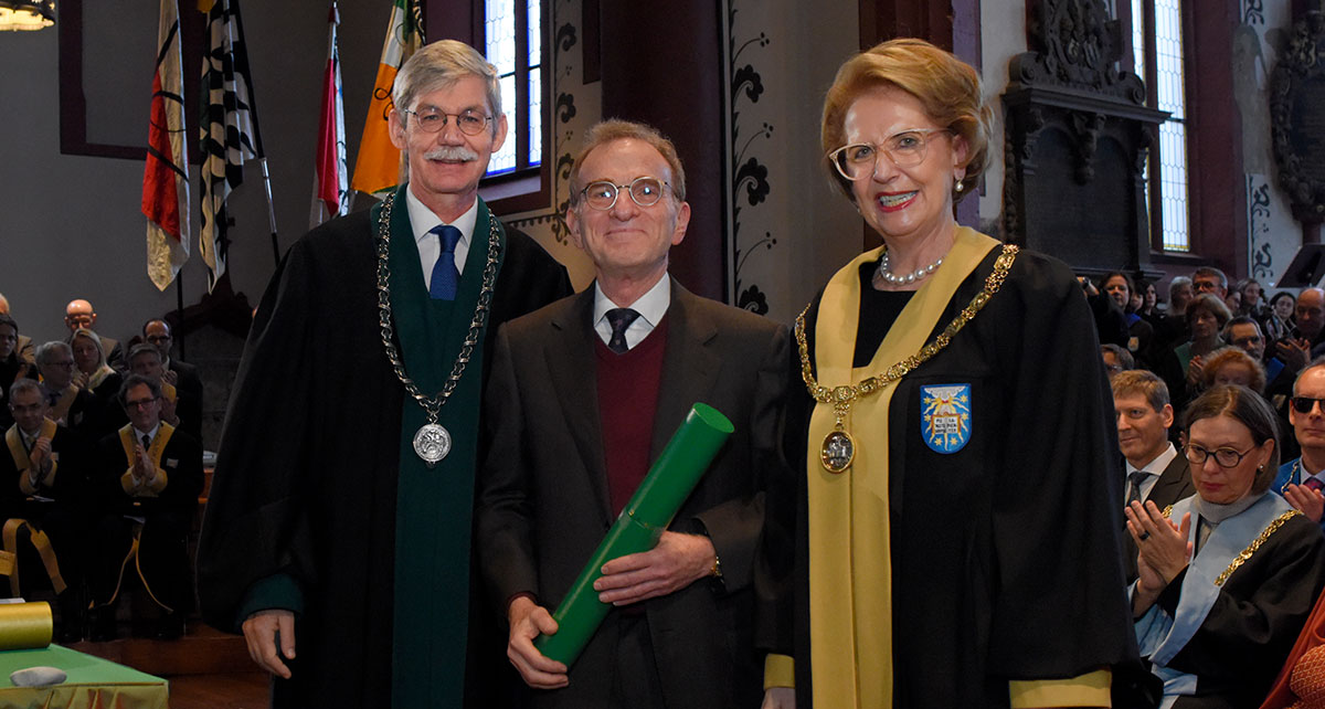 Cell Biologist and Nobel Laureate Prof. Randy W. Schekman picked up an honorary doctor from the Faculty of Sciences. (Photo: University of Basel, Christian Flierl)